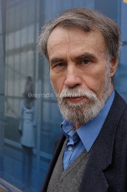 Russian author Andrei Makanine in Paris .