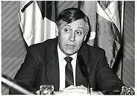James Kelleher<br /> , ministre du commerce exterieur, canada<br /> <br /> , 1 avril 1985<br /> <br /> PHOTO :  Agence Quebec Presse