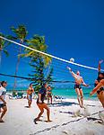 Dominikanische Republik, Punta Cana, Playa Bavaro, Beachvolleyball   Dominican Republic, Punta Cana, Bavaro beach, beach volleyball