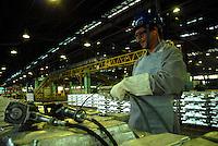 Produção de alumínio.<br /> Refinaria da Albras.<br /> Barcarena, Pará, Brasil.<br /> Foto Paulo Santos<br /> 2008