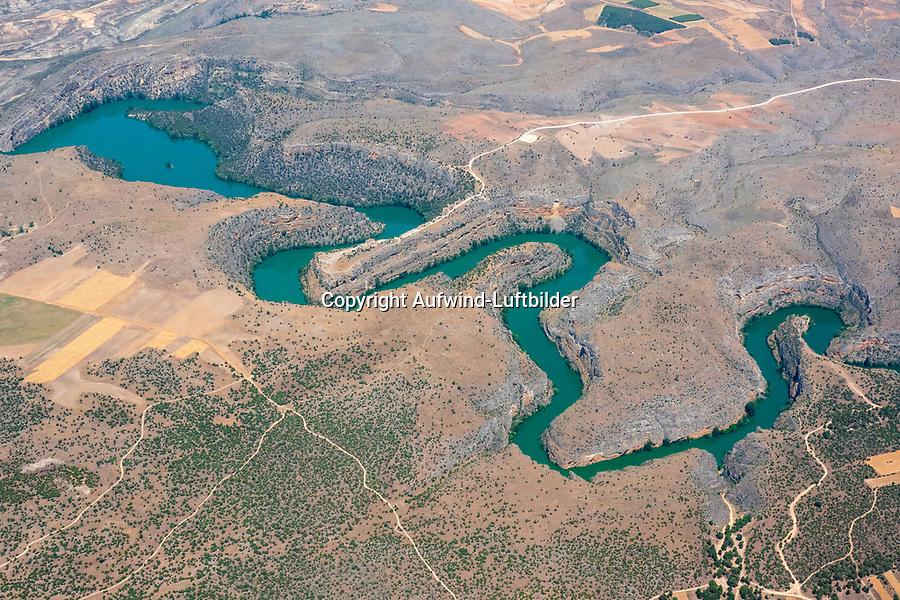 Flussbiegen des Duraton: SPANIEN, KASTILIEN LEON, 29.06.2019: Flussbiege des Duraton