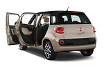 Car images of 2017 Fiat 500L Lounge 5 Door Mini MPV Doors