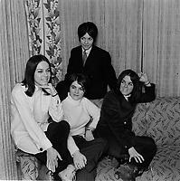 """Les Intrigantes<br /> , Fevrier 1967<br /> <br /> PHOTO : Agence Quebec Presse - Photo Moderne<br /> <br /> Les Intrigantes, groupe féminin de la région de Québec, formé de Diane Gallichand (guitare soliste), Carole Boutin (guitare), Claire Gallichand (guitare basse) et Ginette Douville (batterie). Au début, les Intrigantes se produisent dans les salles de danse pour jeunes, à Drummondville, St-Hilaire, Saint-Hyacinthe et Gramby. Le groupe enregistre un premier 45 tours en 1965 puis un second en 1966, sans connaître le succès. Cependant en 1967, la formation décroche un contrat à la discothèque """"Le Temps qui Bouge"""", au Jardin des Étoiles à La Ronde, et participe à la tournée Starovan de CJMS avec les Lutins, les Chanceliers les Mersey's, Karo, Claude Sorel, Patrick Zabé etc. À la fin de 1967, le groupe connaît le succès sur disques avec la version française d'une chanson des Beatles """"Hello Goodbye"""", et les Intrigantes figurent sur tous les palmarès en début d'année 1968. Au printemps, le groupe participe au Super Swing 68, réunissant plusieurs groupes au Palais des Sports de Gramby dont: les Chanceliers, les Gants Blancs, les Hou-Lops, Les Intrigantes, les Sinners etc. Le groupe se dissout à la fin de l'année 68."""