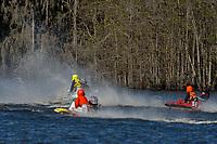Frame 9: Serena Durr 96-F, Erin Pittman 6-H crash. (Outboard Hydroplanes)