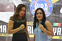 "MONTERIA - COLOMBIA, 18-05-2018:Conferencia de prensa con la boxeadora Liliana ""La Tigresa"" Palmera (Izq) de Montería , antes de la pelea por la defensa de su títiulo Mundial Super Gallo contra Yazmín ""La rusita ""Rivas (Der) de México a realizarse el coliseo ""Happy Lora "" de esta ciudad , mañana Sábado ./Press conference with Liliana ""La Tigresa"" Palmera de Montería, before the fight for the defense of her World Super Gallo title against Yazmin Rivas of Mexico to be held at the ""Happy Lora"" Coliseum of this city tomorrow Saturday. Photo: VizzorImage / Andrés Felipe López Vargas / Contribuidor"