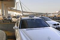 - junction Road for access to Milan Malpensa airport and taxi parking....- svincolo stradale per l'accesso all'aeroporto di Milano Malpensa e posteggio dei taxi