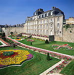 France, Brittany, Département Morbihan, Vannes: Château de l'Hermine | Frankreich, Bretagne, Département Morbihan, Vannes: Château de l'Hermine