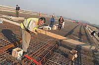 - TAV yard (High Speed Train), workers immigrated from Rumania....- cantiere TAV (Treno Alta Velocità), operai immigrati dalla Romania
