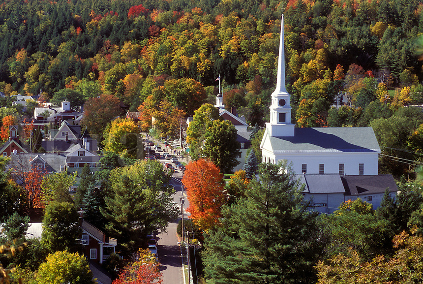AJ1038, Vermont, Stowe, church, Aerial view of the scenic village of Stowe in the fall.