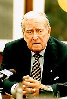 1998 FILE PHOTO - ARCHIVES -<br /> <br /> Dickson, Brian,<br /> Ex Chief Justice of Supreme Court<br /> <br /> <br /> Goode, Jeff<br /> Picture, 1998, <br /> <br /> PHOTO :  Jeff Goode - Toronto Star Archives - AQP
