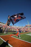 cheer leaders uva flag