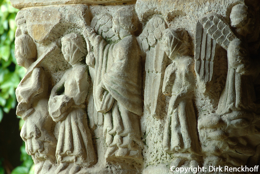 Kreuzgang in der Stiftskirche, Santillana del Mar, Kantabrien, Spanien