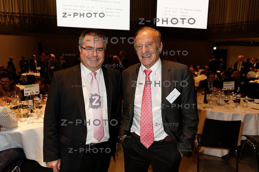 v.l.n.r. Kurt Lüscher, Walter Schmid<br /> am 29. Oktober 2015 in der Umwelt Arena Spreitenbach - Smart Energy Party 2015<br /> <br /> Copyright © Zvonimir Pisonic