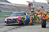 Monster Energy NASCAR Cup Series<br /> Quaker State 400<br /> Kentucky Speedway, Sparta, KY USA<br /> Saturday 8 July 2017<br /> Kyle Busch, Joe Gibbs Racing, Snickers Toyota Camry makes a pit stop, Sunoco<br /> World Copyright: Logan Whitton<br /> LAT Images