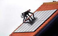 Nederland -  2019 .  Zonnepanelen op een dak.  Foto mag niet in negatieve / schadelijke context worden gepubliceerd.    Foto Berlinda van Dam / Hollandse Hoogte