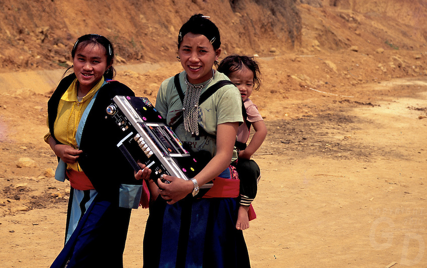 MUONG HILL TRIBES