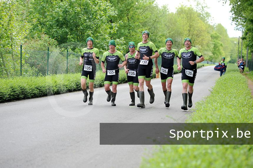 20180501 - DOORNIK , BELGIUM : Triathletes Bekina Triathlon Team Oudenaarde pictured during The Belgian Championship Team Triathlon Man and Women , a Team Triathlon in Doornik , Tuesday 1 st May 2018 , PHOTO SPORTPIX.BE | STIJN AUDOOREN