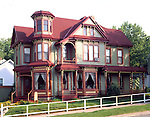 The Queen Anne Guest House B&B.200 Park Ave .Galena, IL