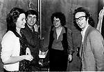 ROBERTO BENIGNI CON GIANNI MORANDI<br /> CINEMA AURORA ROMA 1980