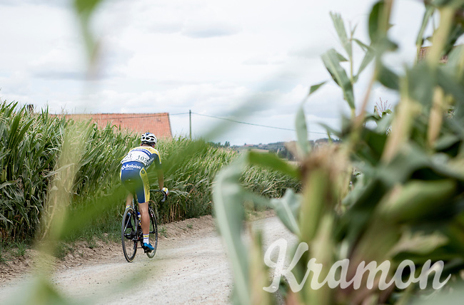 Maxime Farazijn (BEL/Sport Vlaanderen Baloise) over  the Plugstreets Gravel Sections. <br /> <br /> <br /> 1st Great War Remembrance Race 2018 (UCI Europe Tour Cat. 1.1) <br /> Nieuwpoort > Ieper (BE) 192.7 km