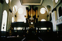 Sir Christopher Wren: St. Margaret Pattens, Eastcheap 1684-89. Interior of nave. Photo '90.