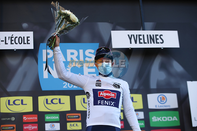 Jasper Philipsen (BEL) Alpecin Fenix wears the first young riders White Jersey at the end of Stage 1 of Paris-Nice 2021, running 166km from Saint-Cyr-l'École to Saint-Cyr-l'École, France. 7th March 2021.<br /> Picture: ASO/Fabien Boukla | Cyclefile<br /> <br /> All photos usage must carry mandatory copyright credit (© Cyclefile | ASO/Fabien Boukla)