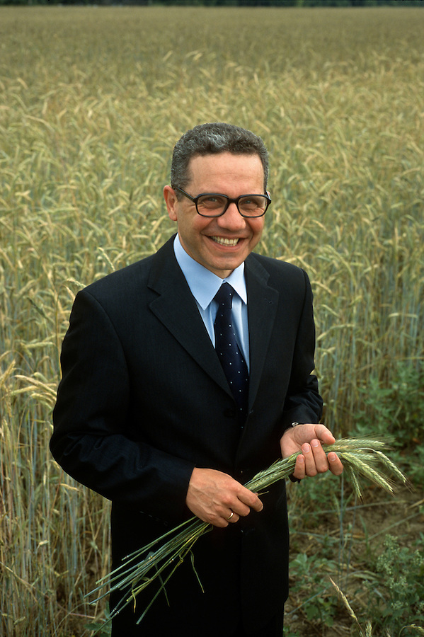Moscow Region, Russia, 10/07/2002..Oleg Kiselyev, CEO of Metalloinvest, who are now leading investment in private farming in Russia.