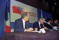 Don Johnson et Pierre Trudeau lors de la conference  Canada Tomorrow - Canada Demain, en novembre 1983, a Ottawa.<br /> <br /> <br /> PHOTO : Agence Quebec Presse