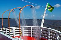 Navegação no Rio Amazonas. Parintins. Amazonas. 2004. Foto de Flávio Bacellar.