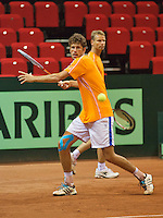 09-09-13,Netherlands, Groningen,  Martini Plaza, Tennis, DavisCup Netherlands-Austria, DavisCup,   Training, Robin Haase in the back Daviscup captain Jan Siemerink (NED)<br /> Photo: Henk Koster