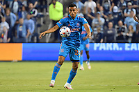 KANSAS CITY, KS - MAY 29: Darwin Ceren #24 Houston Dynamo with the ball during a game between Houston Dynamo and Sporting Kansas City at Children's Mercy Park on May 29, 2021 in Kansas City, Kansas.