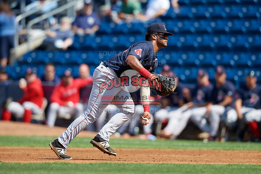 Lowell Spinners first baseman Trey Ganns (28) flips to first base during a game against the Staten Island Yankees on August 22, 2018 at Richmond County Bank Ballpark in Staten Island, New York.  Staten Island defeated Lowell 10-4.  (Mike Janes/Four Seam Images)