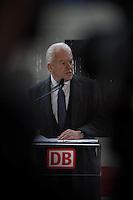 """Am Freitag den 4. Dezember 2015 fand auf dem Bahnhof Berlin-Suedkreuz die """"Flottentaufe ICE 4"""" statt. Dr. Ruediger Grube, Vorstandsvorsitzender der Deutschen Bahn und Alexander Dobrindt, Bundesminister fuer Verkehr und digitale Infrastruktur taufen den bisher sogenannten ICx offiziell auf die neue Flottenbezeichnung ICE 4 (Baureihe 412).<br /> Im Bild: Dr. Ruediger Grube bei seiner Rede zu den Journalisten.<br /> 4.12.2015, Berlin<br /> Copyright: Christian-Ditsch.de<br /> [Inhaltsveraendernde Manipulation des Fotos nur nach ausdruecklicher Genehmigung des Fotografen. Vereinbarungen ueber Abtretung von Persoenlichkeitsrechten/Model Release der abgebildeten Person/Personen liegen nicht vor. NO MODEL RELEASE! Nur fuer Redaktionelle Zwecke. Don't publish without copyright Christian-Ditsch.de, Veroeffentlichung nur mit Fotografennennung, sowie gegen Honorar, MwSt. und Beleg. Konto: I N G - D i B a, IBAN DE58500105175400192269, BIC INGDDEFFXXX, Kontakt: post@christian-ditsch.de<br /> Bei der Bearbeitung der Dateiinformationen darf die Urheberkennzeichnung in den EXIF- und  IPTC-Daten nicht entfernt werden, diese sind in digitalen Medien nach §95c UrhG rechtlich geschuetzt. Der Urhebervermerk wird gemaess §13 UrhG verlangt.]"""