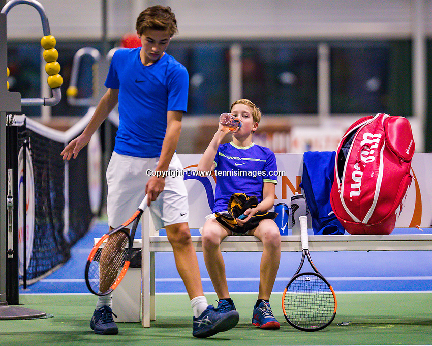 Hilversum, Netherlands, December 2, 2018, Winter Youth Circuit Masters, Thijs Boogaard (NED) on bench and Boudewijn Willems (NED)<br /> Photo: Tennisimages/Henk Koster