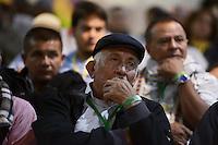 """BOGOTÁ -COLOMBIA. 11-10-2014. Participantes escuchan las intervenciones de las delegaciones durante la tercera jornada del Encuentro por la """"Dignidad de las Víctimas del Genocidio contra La UP"""" realizado hoy, 11 de octuber de 2014, en la ciudad de Bogotá./ Participant listen to the speeches of the delegations during the third day of the Meeting for the """"Dignity of Victims of Genocide against The UP"""" took place today, October 10 2014, at Bogota city. Photo: Reiniciar /VizzorImage/ Gabriel Aponte<br /> NO VENTAS / NO PUBLICIDAD / USO EDITORIAL UNICAMENTE / USO OBLIGATORIO DEL CRÉDITO"""