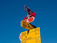 Wanderwege  in Santa Maria, Val Müstair-Münstertal, Engadin, Graubünden, Schweiz, Europa<br /> hiking trails in Santa Maria, Val Müstair-Münster Valley, Engadine, Grisons, Switzerland