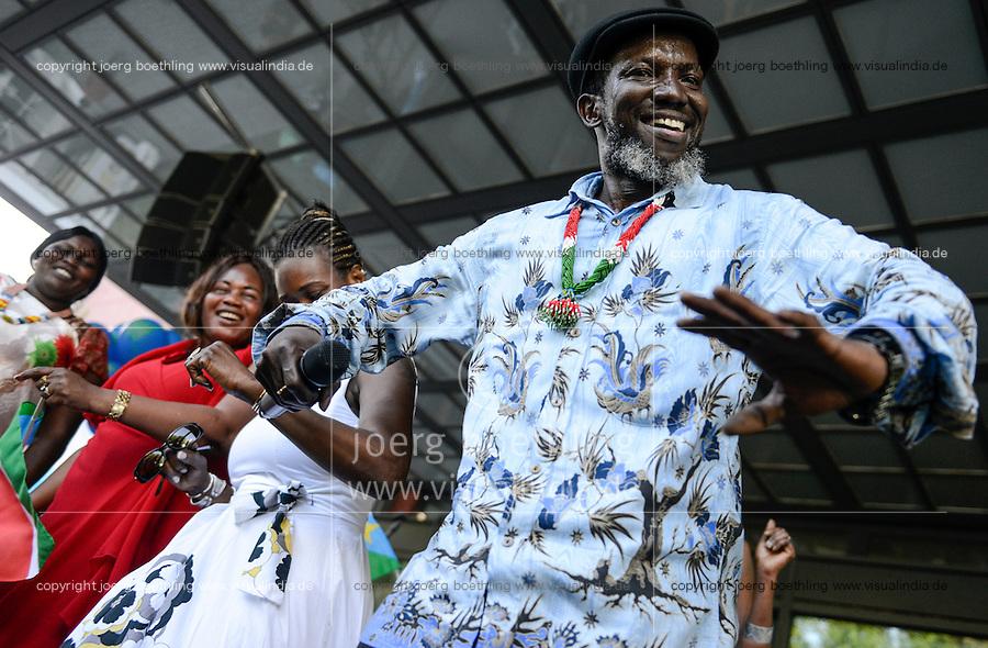 BMZ Tag der offenen Tür 2015, Hauptbühne, Konzert Saenger Emmanuel Kembe, Südsudan