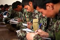 Afghanistan, 10.2012,  Camp Pamir bei Kunduz. Schreib- und Religionsunterricht der ANA-Soldaten. | Lessons in writing and religion for ANA soldiers. © Timo Vogt/EST&OST