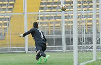 BOGOTA - COLOMBIA -03 -04-2016: Vladimir Hernandez (Fuera de Cuadro.) jugador de Atletico Junior , anota gol a Juan Duque, portero de Fortaleza FC durante partido entre Fortaleza FC  y La Equidad por la fecha 10 de la Liga Aguila I-2016, jugado en el estadio Metropolitano de Techo de la ciudad de Bogota. / Vladimir Hernandez, player of Atletico Junior  (Out of Pic) scored goal to Juan Duque, goalkeeper of Fortaleza during a match between Fortaleza FC  and La Equidad, for the  date 10 of the Liga Aguila I-2016 at the Metropolitano de Techo Stadium in Bogota city, Photo: VizzorImage  / Luis Ramirez / Staff.