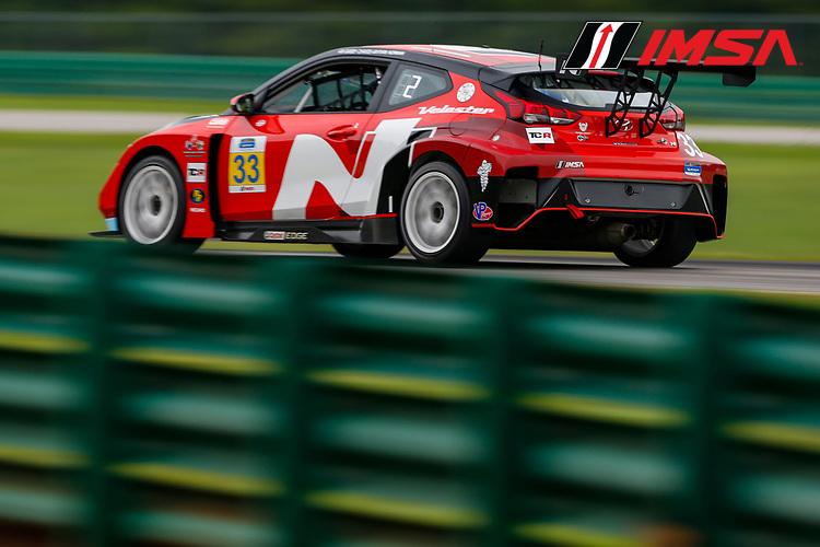 #33 Bryan Herta Autosport w/ Curb Agajanian Hyundai Veloster N TCR, TCR: Gabby Chaves, Ryan Norman