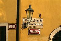 Tschechien, Prag, Kleinseite, zweisprachiges Strassenschild, Unesco-Weltkulturerbe