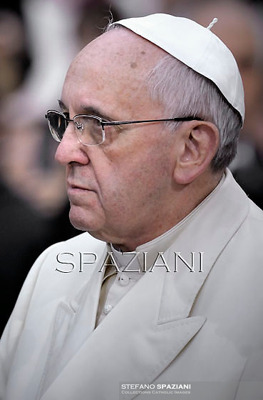 Pope Francis prayer ceremony during the traditionnal visit to the statue of Mary on the day of the celebration of the Immaculate Conception et Piazza di Spagna (Spanish Square) on December 8, 2013
