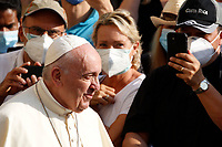 Pope Francis attends his weekly general audience in St. Damaso courtyard at the Vatican, September 16, 2020.<br /> UPDATE IMAGES PRESS/Riccardo De Luca<br /> <br /> STRICTLY ONLY FOR EDITORIAL USE
