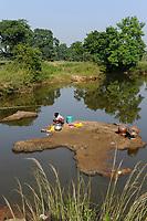 INDIA, Jharkhand, Chaibasa, Adivasi, Ho tribe / INDIEN, Jharkhand , Chaibasa , Dorf Baikanki , Ho Ureinwohner