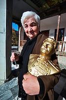 GORI / GEORGIA.LAMARA MAKARAZE, 62 ANNI, GUARDIANA DELLA CASA NATALE DI STALIN..MALGRADO IL PROFILO STORICO CONTRADDITORIO DELLO STATISTA GEORGIANO, IL MUSEO A LUI DEDICATO E' TUTTORA FREQUENTATO DA MIGLIAIA DI VISITATORI. .FOTO LIVIO SENIGALLIESI..GORI / GEORGIA.JOSEPH STALIN HOUSE, A WOODEN HUT IN WHICH STALIN WAS BORN IN 1878..AFTER HIS DEATH (5 MARCH 1953) BECAME A HISTORICAL MONUMENT. STILL HAUNTED BY THOUSANDS OF VISITORS..PHOTO LIVIO SENIGALLIESI.
