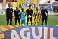 MONTERIA - COLOMBIA, 17-03-2019: Pablo Rojas, capitan de Jaguares, Farid Diaz, capitan de Alianza P, y David Rodriguez, árbitro, durante los actos protocolarios previo al partido por la fecha 10 de la Liga Águila I 2019 entre Jaguares de Córdoba F.C. y Alianza Petrolera jugado en el estadio Jaraguay de la ciudad de Montería. / Pablo Rojas captain of Jaguares, Farid Diaz, captain of Alianza P, and David Rodriguez, referee, during formal events prior a match for the date 10 as part Aguila League I 2019 between Jaguares de Cordoba F.C. and Alianza Petrolera played at Jaraguay stadium in Monteria city. Photo: VizzorImage / Andres Felipe Lopez / Cont