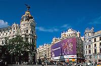 Metropolis Jugendstil-Gebäude Gran Via/Calle Alcacala in Madrid, Spanien