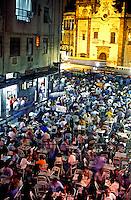 Vida noturna em bar no centro, Rio de Janeiro. 1998. Foto de Ricardo Azoury.