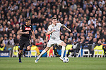 Toni Kroos of Real Madrid runs with the ball during the match Real Madrid vs Napoli, part of the 2016-17 UEFA Champions League Round of 16 at the Santiago Bernabeu Stadium on 15 February 2017 in Madrid, Spain. Photo by Diego Gonzalez Souto / Power Sport Images