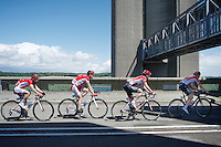 chain gang bridge cross<br /> <br /> Tour de Wallonie 2015 stage 5: Chimay - Thuin (167km)
